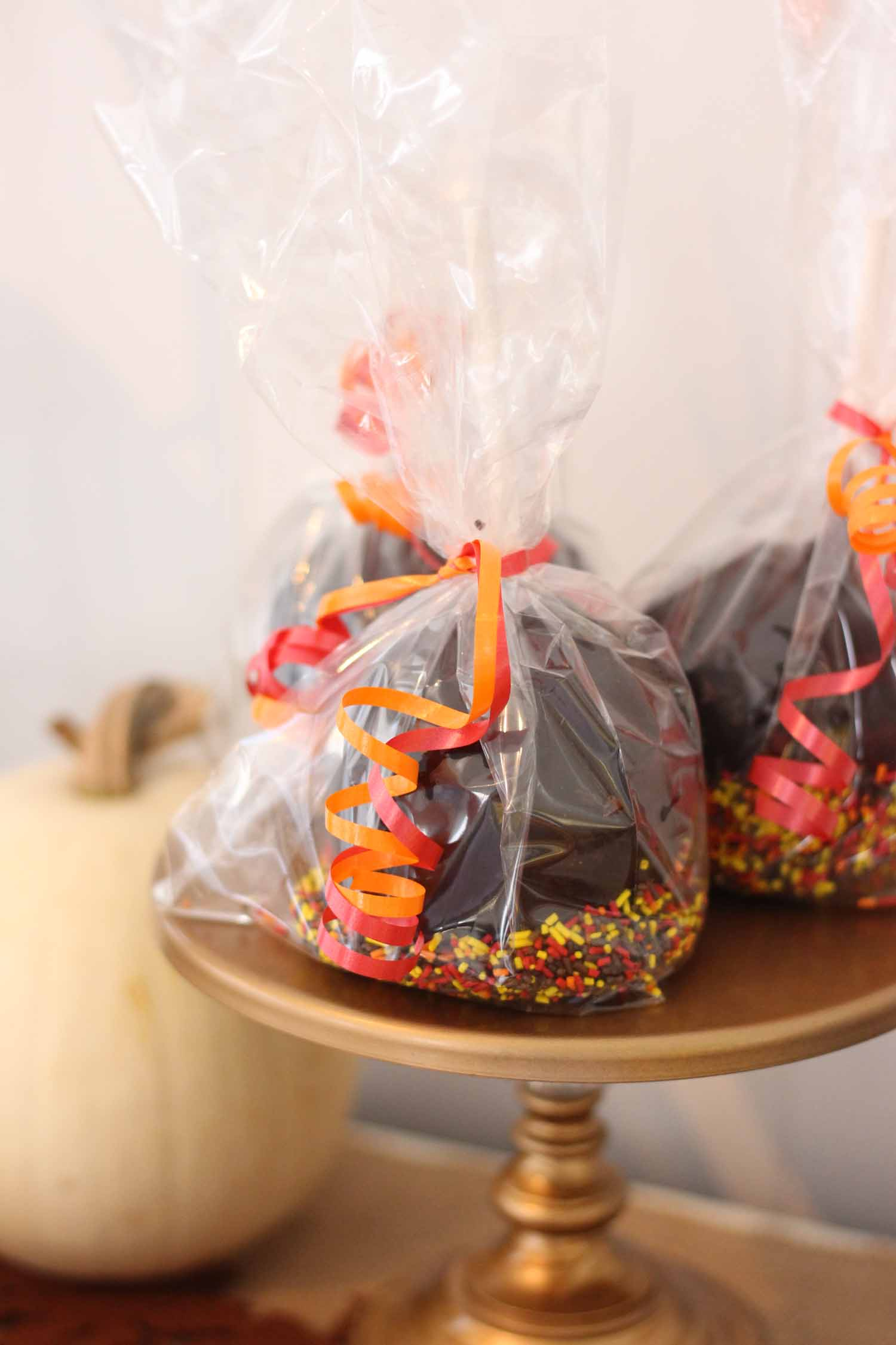 chocolate caramel apples from cafe pierrot in sparta nj