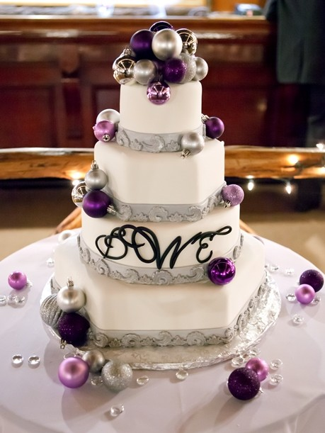 alternating hexagon and round tiers are one of 2019's wedding cake trends from nj bakery cafe pierrot